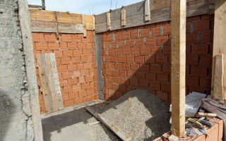 Строительство дома из кирпича своими руками